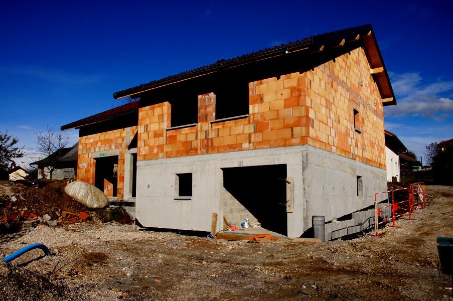 3b construction constructeur de maison en haute savoie for Brique construction maison